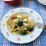 BroccoliPasta Teller mit Gabel